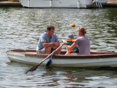 Thames Valley Rag Regatta 2014 - family dinghies - we like to start them young!